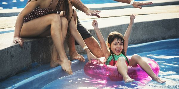 Photodune zcttonh8 family swimming pool playing togetherness summer holiday xxl