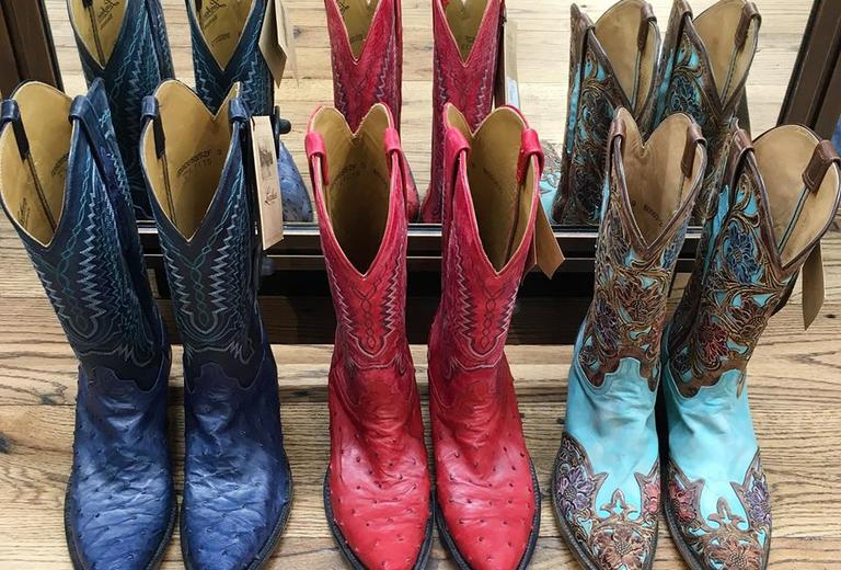 Lucchese Factory Outlet