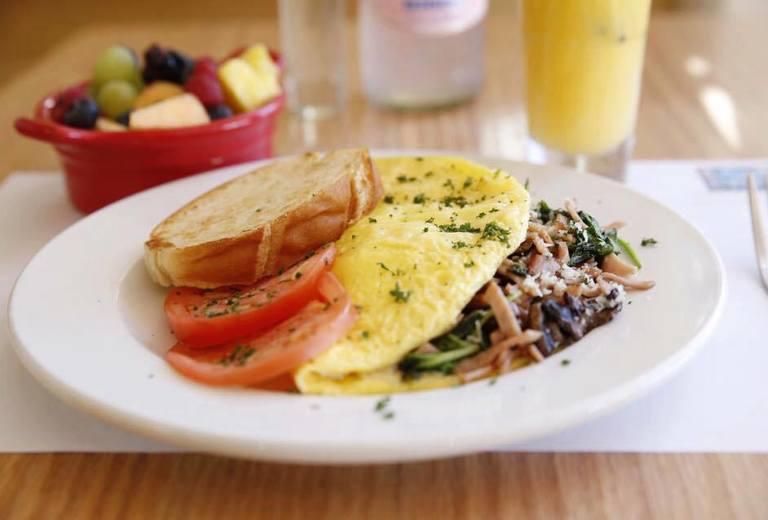 Basico Bistro Cafe